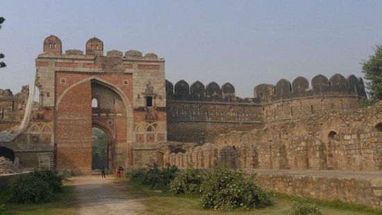 Purana Qila: Sher Shah Gate - that you can visit