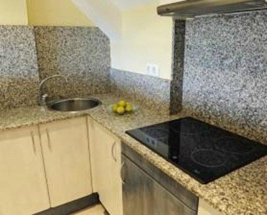 Apartamentos Turisticos Marsol: Cocina Duplex