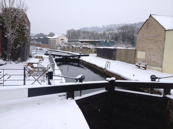 The Lockkeeper's Cafe and Bar: Snowy day in January 2013