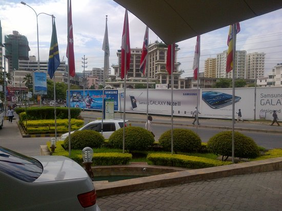 Holiday Inn Dar Es Salaam City Centre:                   Outside View from Reciption