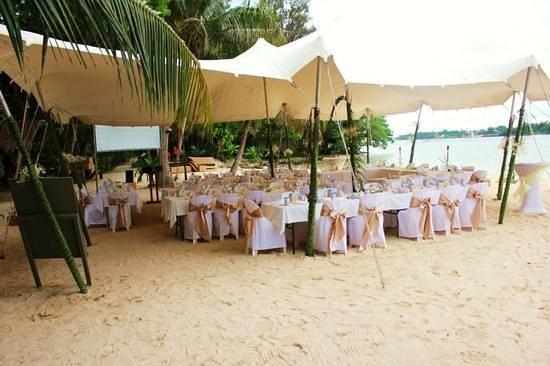 Erakor Island Resort & Spa:                   reception on calypso beach