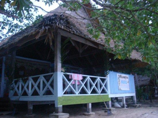 Nugu Beach Resort: restaurant/bar