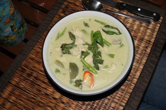 Black Cat: Chicken Green Curry