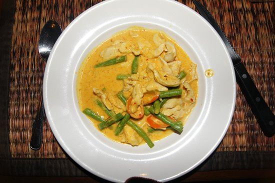 Black Cat: Red Chicken Curry