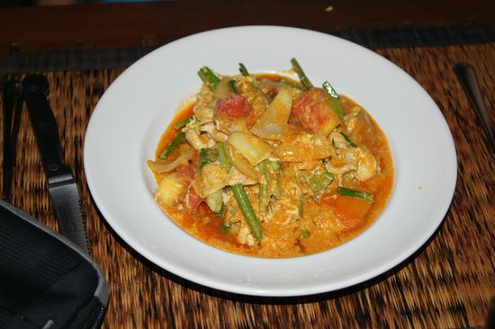 Black Cat: Chicken Massaman