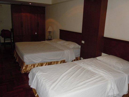 Thai Ayodhya Villas & Spa: Chambre sombre, mais grande (Suite Familiale)