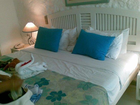 Merville Beach Hotel: our room