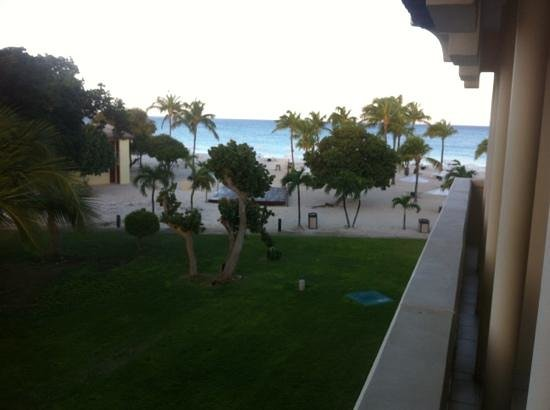 Bucuti & Tara Beach Resort Aruba: bacuti garden view room balcony