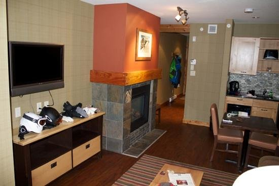 Fox Hotel & Suites:                   One Bedroom Suite