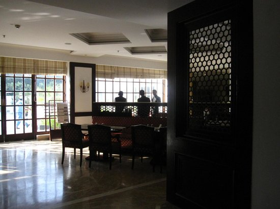 Country Inn & Suites By Carlson Delhi Satbari:                   Dining Area