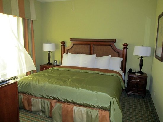 Homewood Suites Ocala at Heath Brook: Bedroom - King One Bedroom