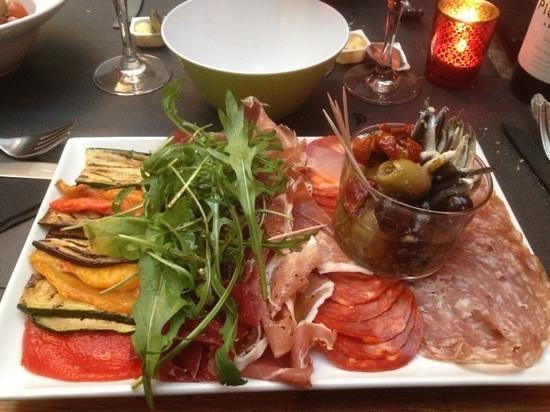 Il Pastaio: assortissement de charcuterie italienne légumes grillés