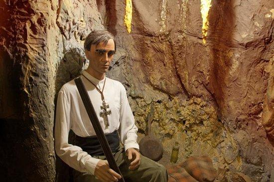 Museo del Bandolero: Cueva de Pasos Largos