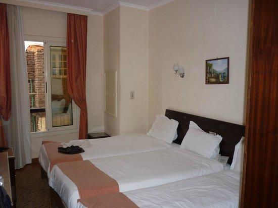 Susanna Hotel: habitacion