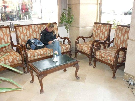 Susanna Hotel: Lobby
