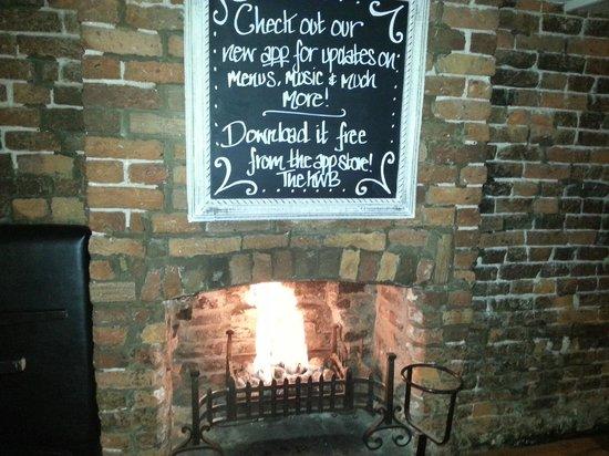 Knutsford Wine Bar: The KWB