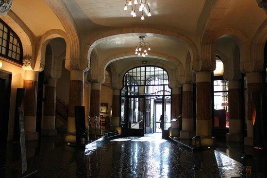 โรงแรมคาซาฟุสเตอร์: ホテルのエントランス