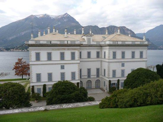 Splendid bridge in the gardens picture of i giardini di villa melzi bellagio tripadvisor - Giardini di villa melzi ...