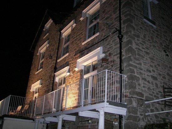 Sinai House: Lit up at night