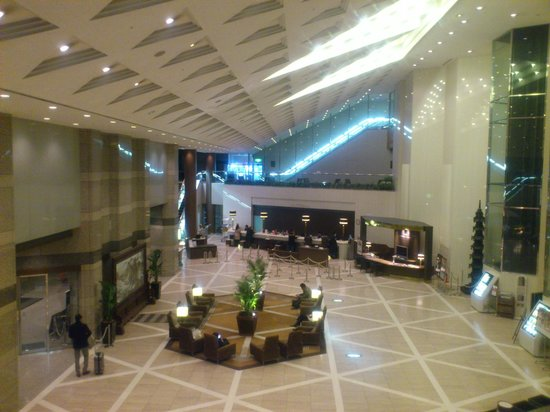 APA Hotel & Resort Tokyo Bay Makuhari: フロント