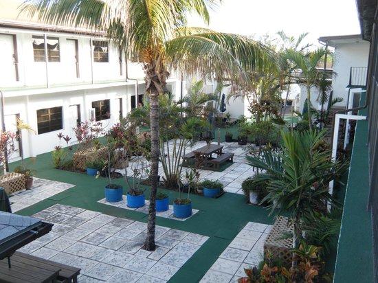 Red Carpet Inn :                   Garden area