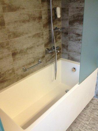 Scandic Paasi: Vasca da bagno