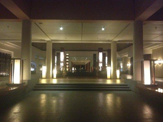 Sheraton Fiji Resort:                   Lobby