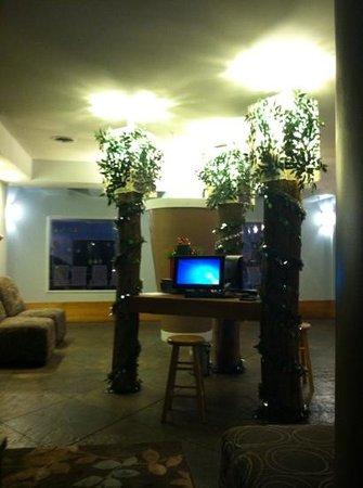 Baymont Inn & Suites Noblesville: lobby
