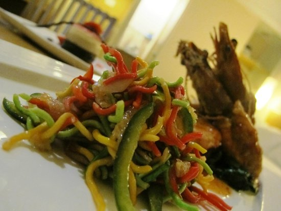 Novotel Bandung: Ye Sang King Prawn & Triple Chocolate Delight