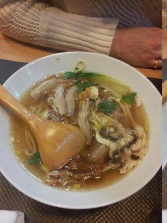 Wok Way : pates en bouillon avec du canard