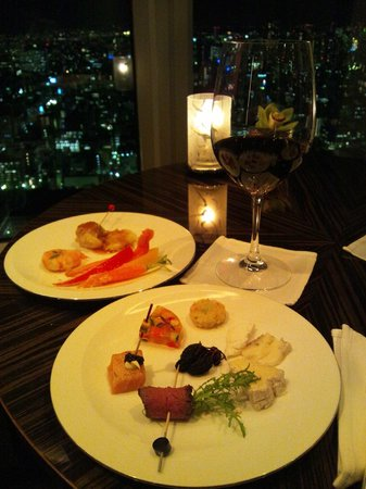 Shangri-La Hotel, Tokyo: クラブラウンジでのカクテルアワー