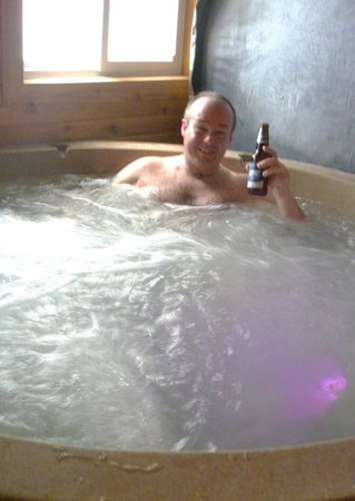 Blue Moon Retreat: enjoying the hot tub in sunset cottage