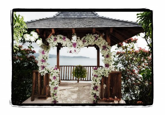 Calabash Cove Resort and Spa:                   gazebo / our wedding venue / private dining