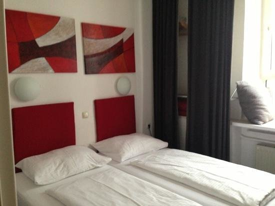 Pension am Jakobsplatz:                   Room#2, you can almost see the window seat