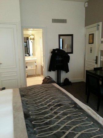 Hotel Baltimore Paris Champs-Elysees: la chambre