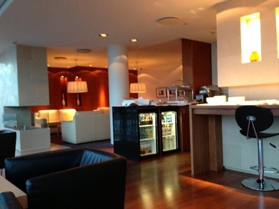 Hilton Reykjavik Nordica:                   the executive lounge at the Hilton Nordica