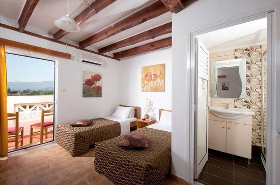 Kastro Beach Apartments: Studio for 2