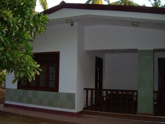 Bandhusena House & Apartment: Hotel and grounds