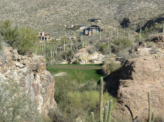 Lodge at Ventana Canyon:                   3rd Hole Mountain Course