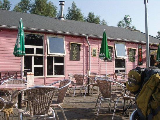Camping Zeeburg: Zona de terraza donde se sirven los desayunos 
