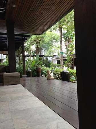 Aonang Buri Resort: front desk