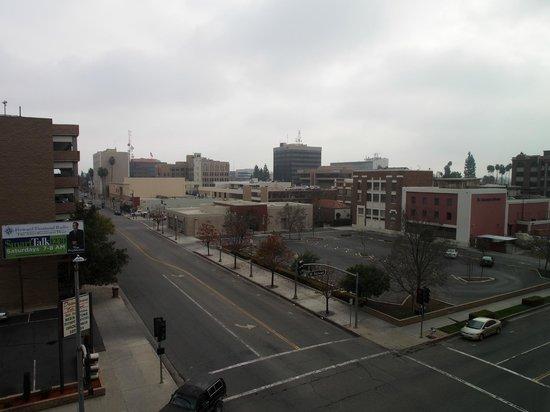Padre Hotel: Blick aus dem Hotelzimmer - amerikanische Kleinstadt