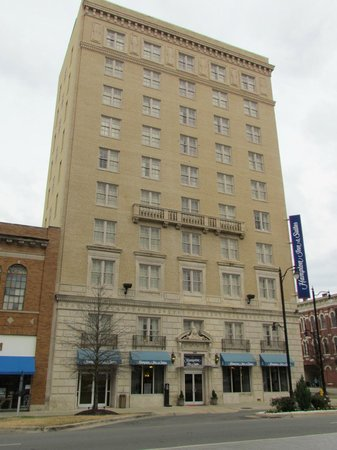 Hampton Inn & Suites Montgomery-Downtown:                   Street view