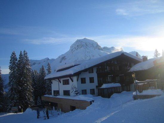 View of Hotel Cresta from Oberlech