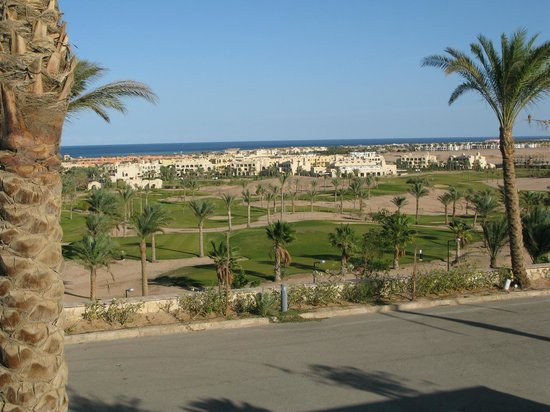 Steigenberger Makadi Hotel:                   Par 3 course and view to Bay and other hotels in Makadi