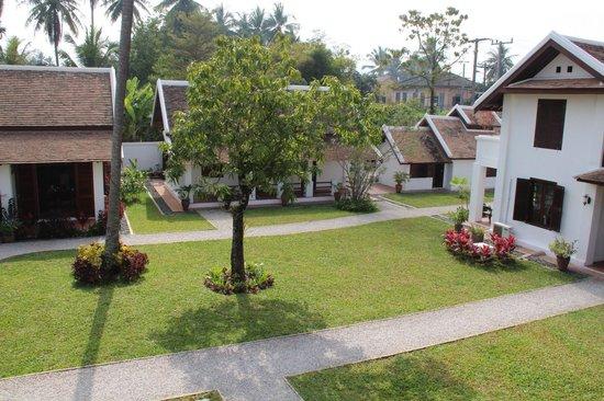 Sanctuary Luang Prabang Hotel : Jardin de l'hôtel