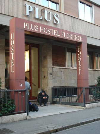 ‪‪Plus Florence‬: Entrance of the hotel‬