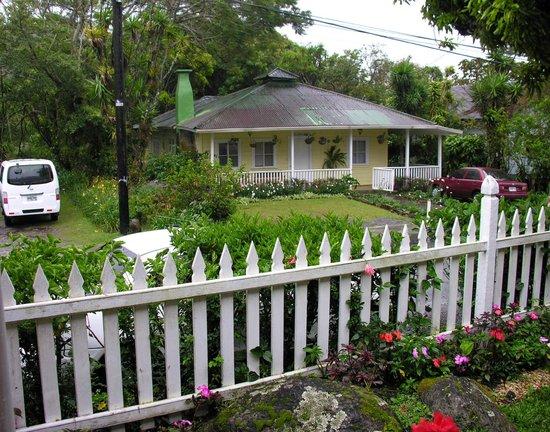 Hotel Panamonte: Desde el proche de entrada