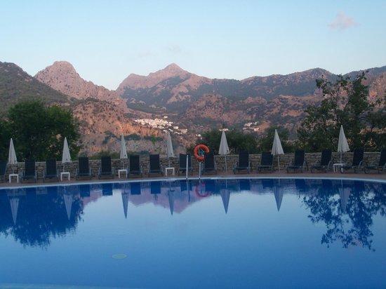 Hotel Fuerte Grazalema: piscina