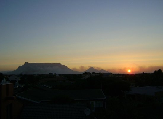 capetown4u:                   Enjoy stunning views and sunsets from the rooftop